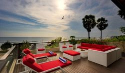 Villa LeGa – 5 Bedrooms Beachfront Villa at Batubelig, Seminyak