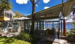 4 Bedrooms Ocean View Villa in Sydney North, Palm Beach, Australia