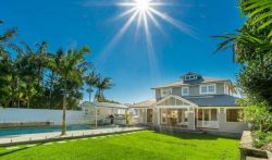 5 Bedroom Villa Kingsley Road, Byron Bay, Australia | VillaGetaways
